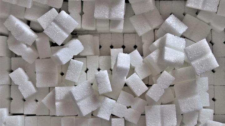 Производители обвинили торговые сети в создании дефицита сахара