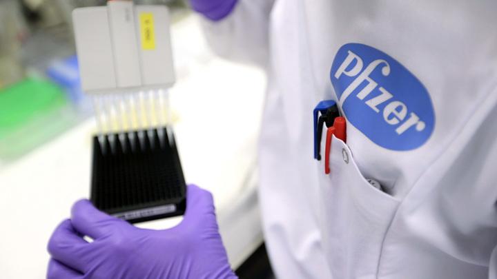 Немец получил прививку Pfizer и стал суперраспространителем COVID-19
