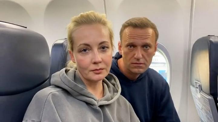Навальный вылетел из Берлина в Москву, сообщила Ярмыш