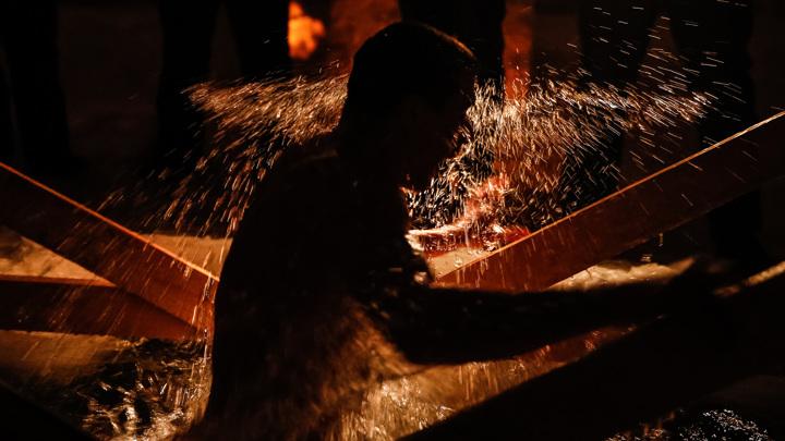 Эксперт рассказал о риске заражения коронавирусом во время крещенского купания