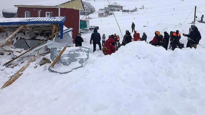 На горнолыжном курорте Домбай найдены все пропавшие туристы