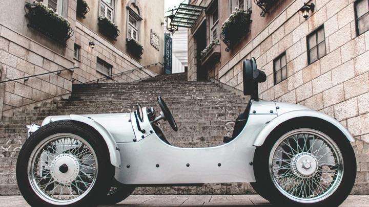 Blaze EV Classic — одноместный электромобиль в стиле ретро