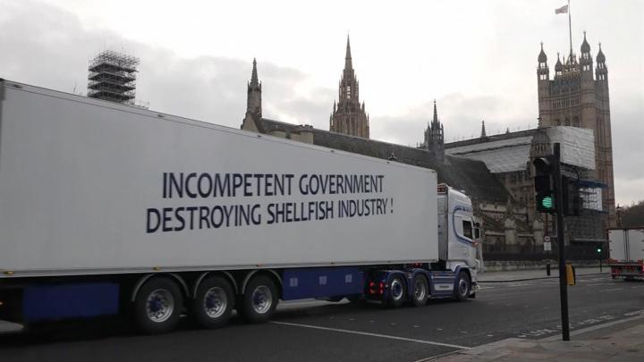Первые последствия Brexit: убытки и дипломатический скандал