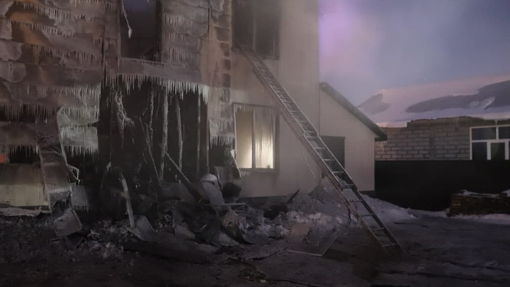 Пожар в Южно-Сахалинске: двое детей погибли, три человека в реанимации