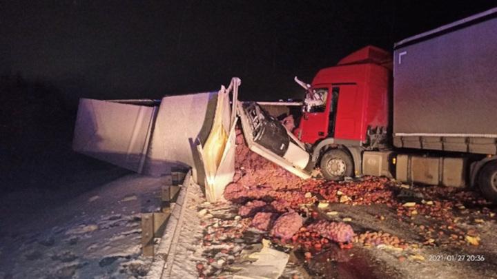 Трагическая авария четырех грузовиков произошла под Питером