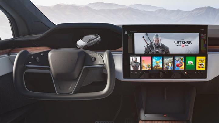 Первые самые быстрые Tesla отправились покупателям