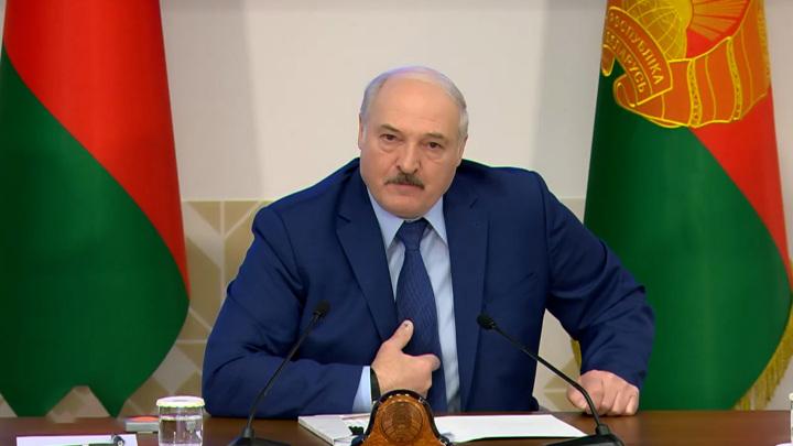 Лукашенко готов провести досрочные выборы, но с условием