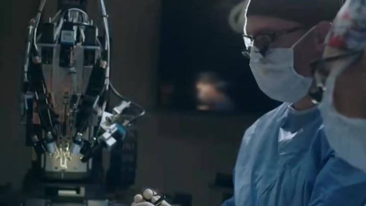 Стартап Илона Маска вживил чип в мозг обезьяны