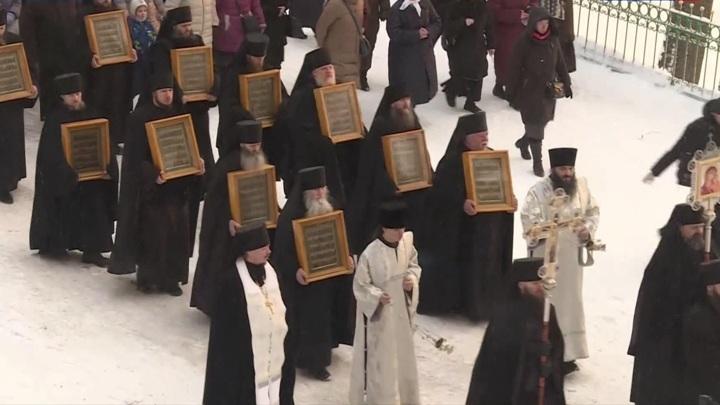 Иконы Псково-Печерского монастыря, похищенные во время войны, вернулись на родину
