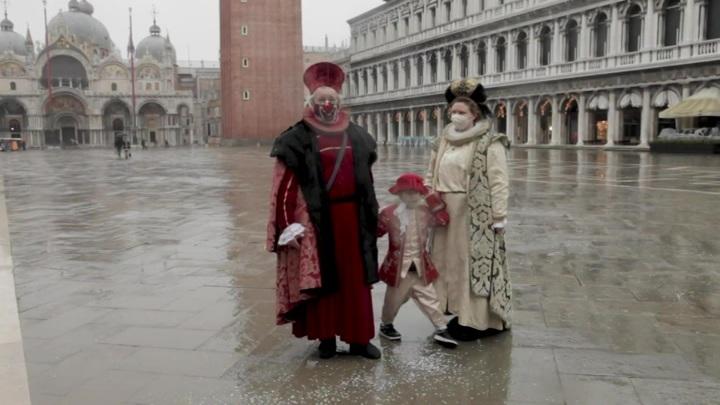 В Венеции из-за отливов сильно упал уровень воды