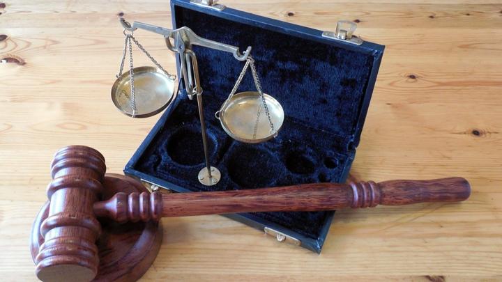 На Алтае россиянин на суде съел протокол со своим признанием
