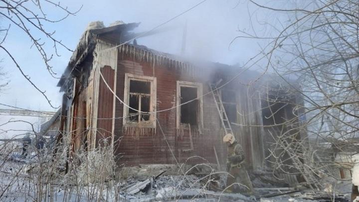 Пять человек сгорели заживо в частном доме в Сыктывкаре