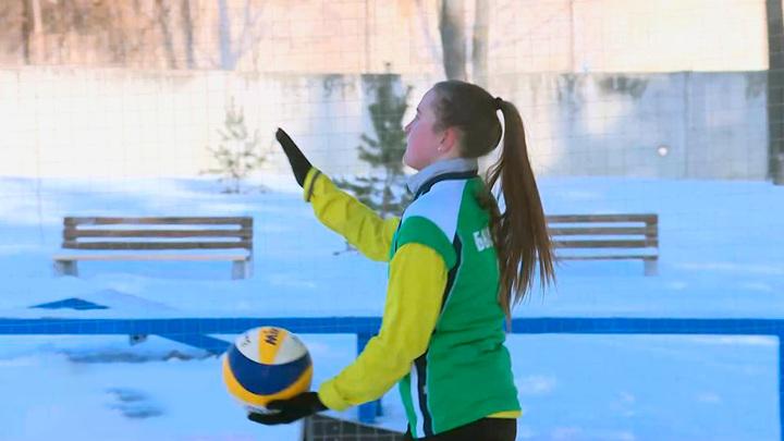 В Орле впервые состоялся турнир по волейболу на снегу