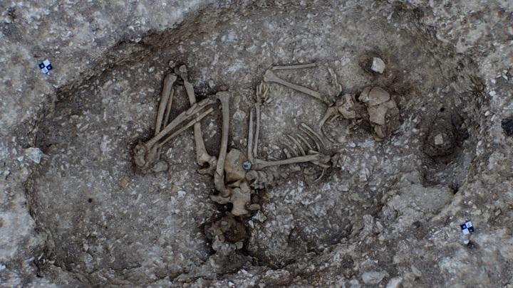Могила 20-летней женщины, умершей 4500 лет назад.