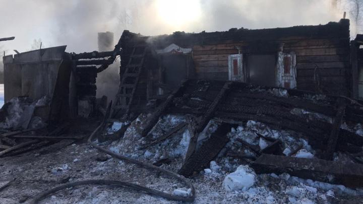 Женщина погибла в пожаре в селе Томской области