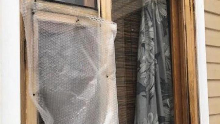 В Тверской области 19-летний вор украл у соседки батарею через окно