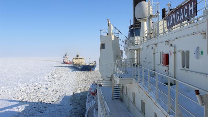 """Абсолютный рекорд. Атомоход""""Вайгач"""" прошел во льдах миллион морских миль"""
