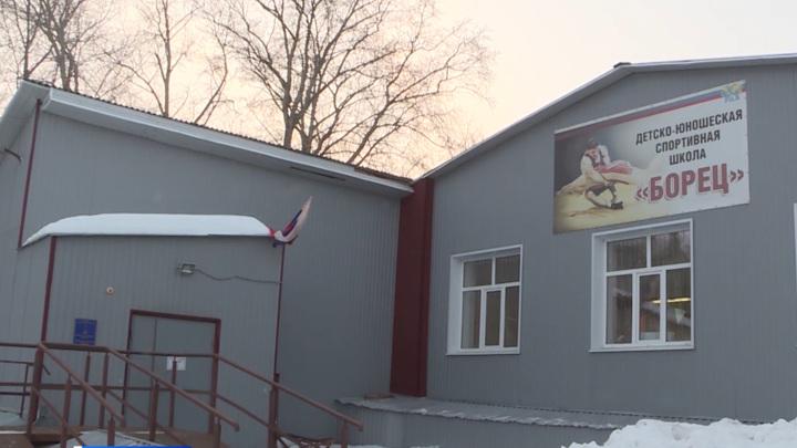 Ульяновские борцы успешно выступили на соревнованиях ПФО