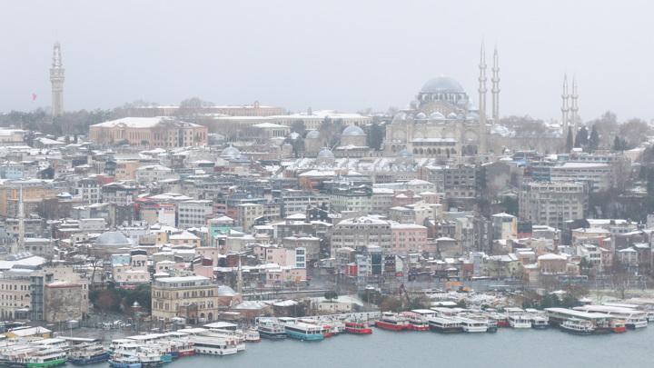 Снегопад обрушился на Турцию и Грецию