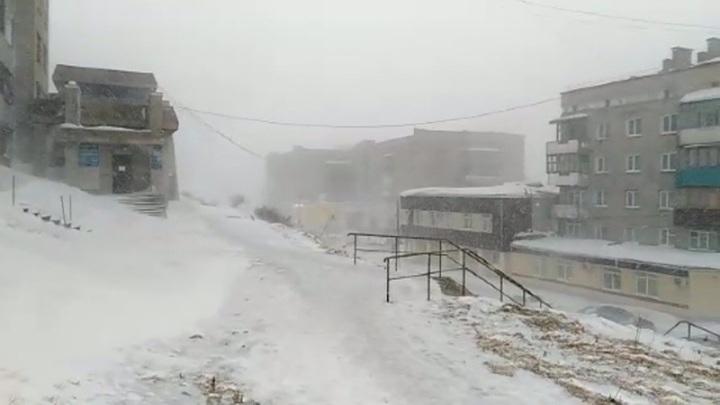 Штормовое предупреждение объявлено во всей Сахалинской области