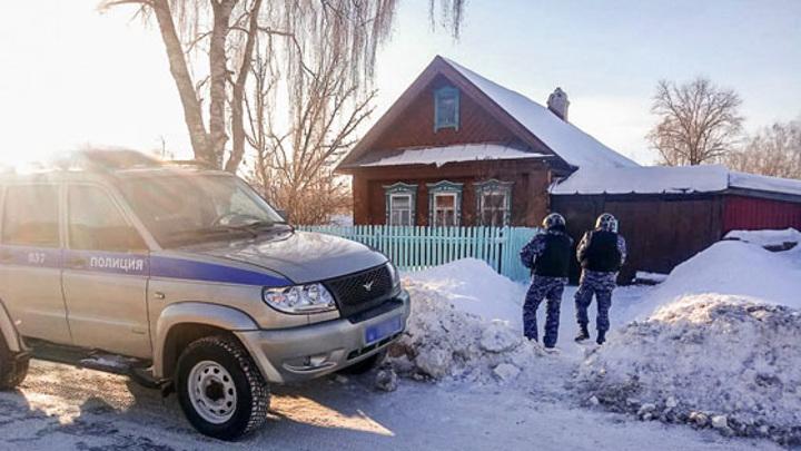 В Татарстане пьяный мужчина пытался заколоть сына сожительницы