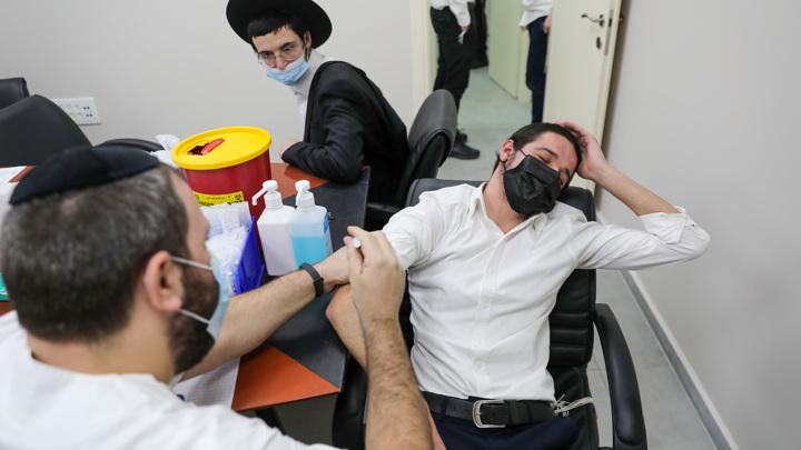 Власти Израиля продлили антиковидные ограничения на въезд в страну