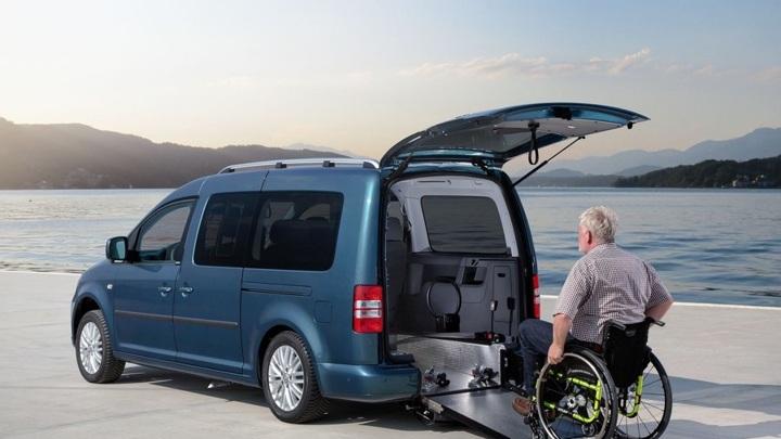 Не роскошь: инвалидам предлагают давать спецавтомобили