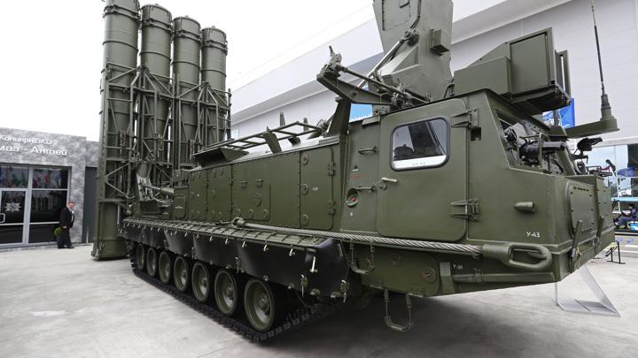 """Новейший ЗРК """"Антей-4000"""" впервые покажут на зарубежной выставке"""