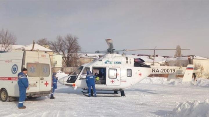 Вертолет санавиации пришел на помощь двум пациентам пензенцам