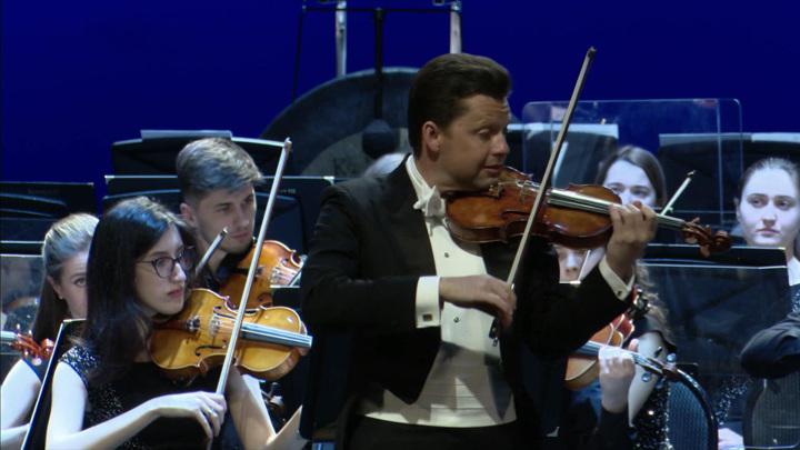 """Музыкальный фестиваль """"Звёзды на Байкале"""" открылся в Иркутске"""