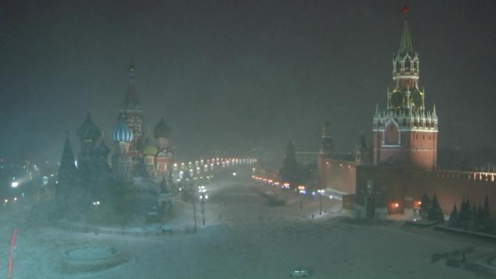 Оттепель принесла в Москву ледяной дождь
