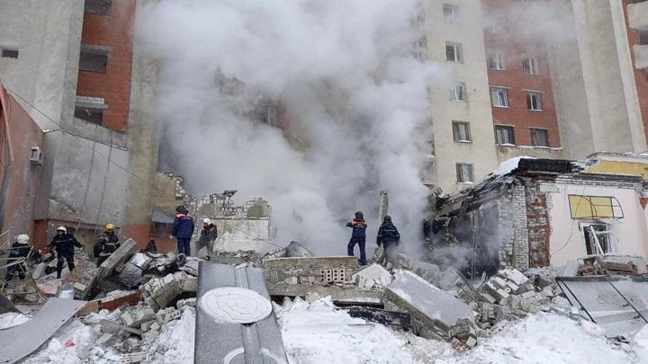 Пожар начался после взрыва в жилом доме в Нижнем Новгороде