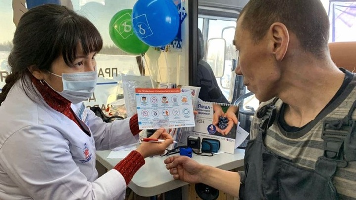 На Ямале начали прививать тундровиков: вакцину получили более 100 кочевников
