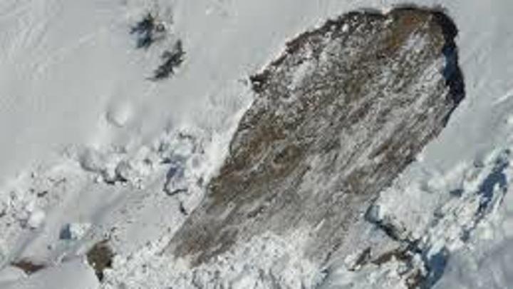 В Кировске начали спуск лавин