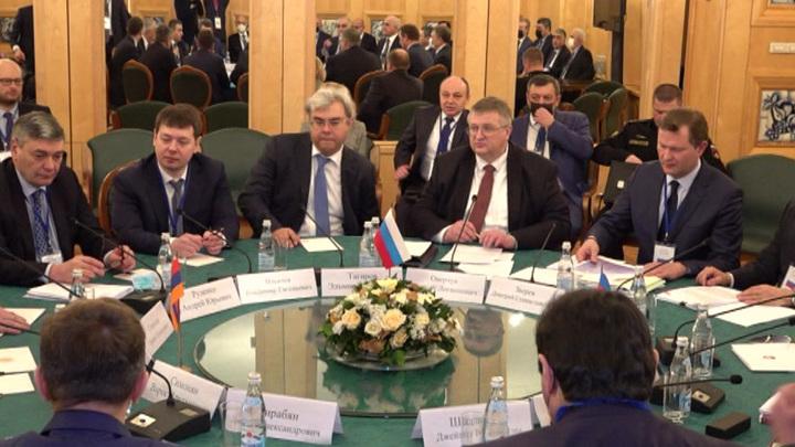 В Москве прошла трехсторонняя встреча по Карабаху