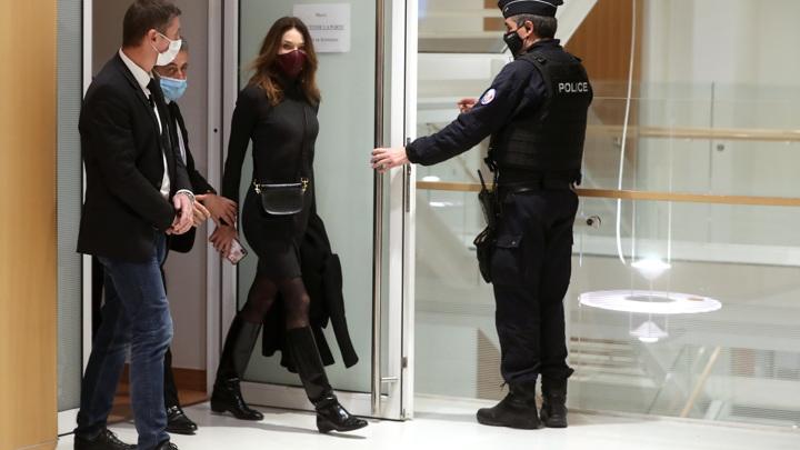 Жена Саркози Карла Бруни сочла приговор супругу несправедливым