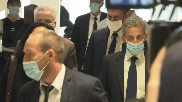 Экс-президент Франции впервые получил реальный тюремный срок