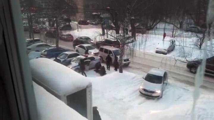 В Екатеринбурге командир взвода ДПС попался на хранении наркотиков