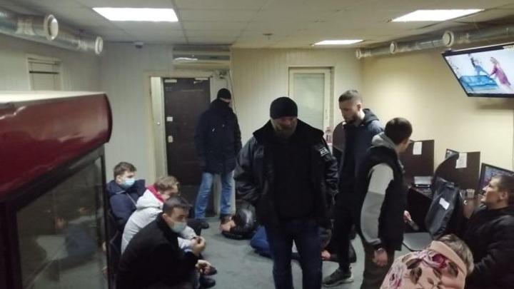 Организаторов сети подпольных игорных клубов задержали в Гусь-Хрустальном