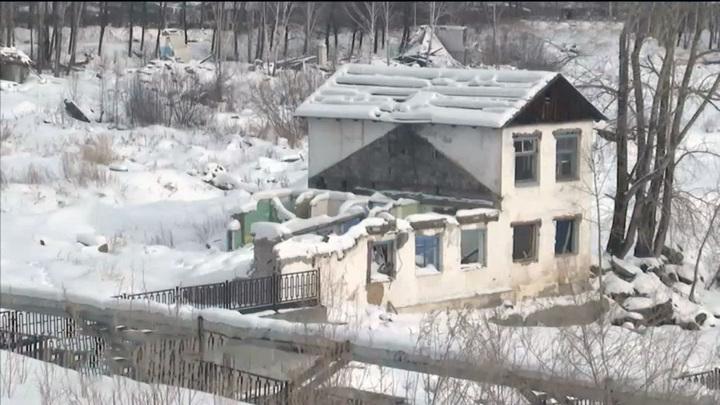 На Урале заведено уголовное дело по факту падения на подростка стены завода