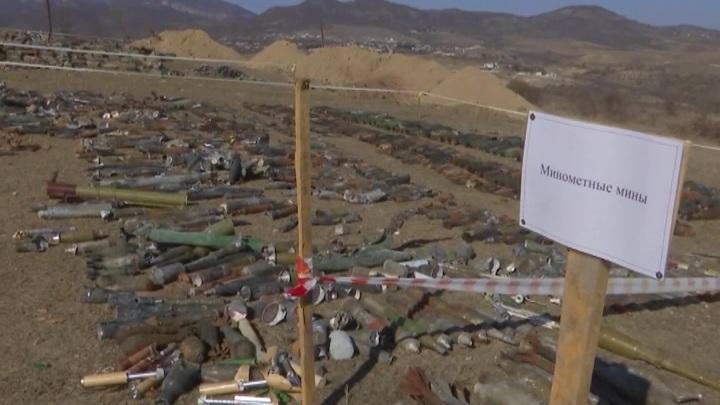 За сутки российские саперы уничтожили в Нагорном Карабахе более сотни мин и снарядов