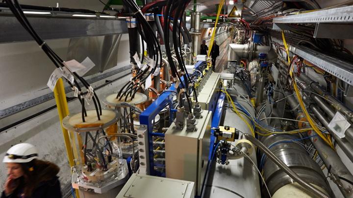 Большой адронный коллайдер приносит новое открытие каждые два месяца.