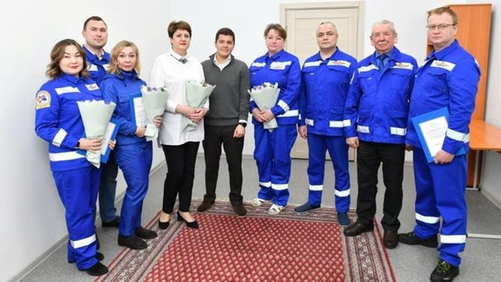 На Ямале наградили медиков за успешно принятые роды в тундре