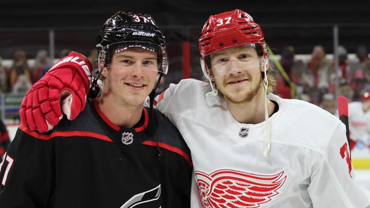 Братья Свечниковы впервые сыграли друг против друга в НХЛ