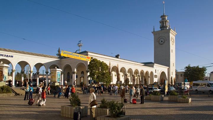 В Симферополе из-за COVID-19 отменили празднование 8 марта