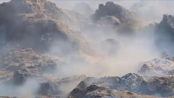 Жители Саратовской области задыхаются от тонн тлеющих отходов
