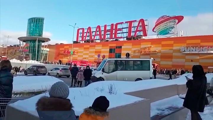 """Из ТРЦ """"Планета"""" в Уфе эвакуировали 2500 человек"""