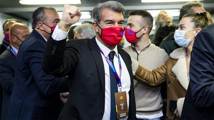 """Новым президентом """"Барселоны"""" избран Жоан Лапорта"""