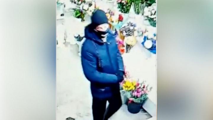 В Новосибирске ищут подозреваемого в разбойных нападениях