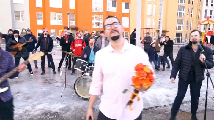 """30 """"Стасов Михайловых"""" поздравили женщин с 8 марта. Видео"""
